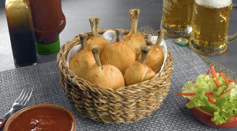 пирожки с курицей в виде куриных окорочков