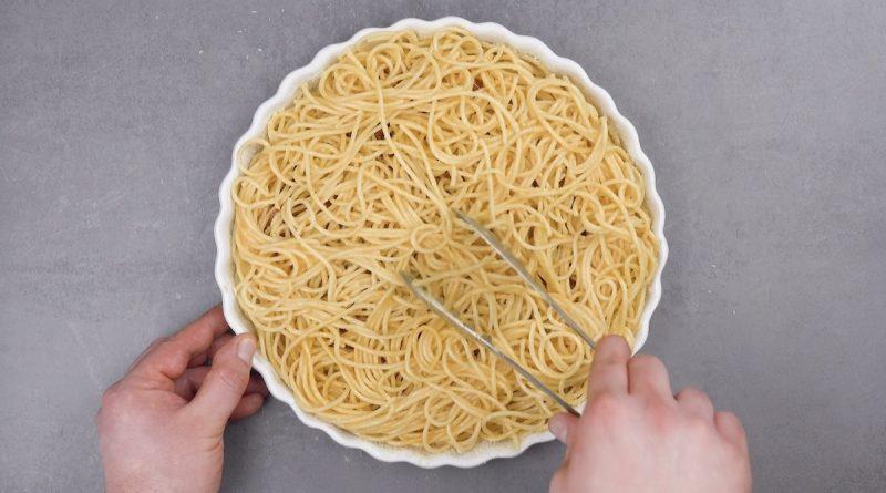 спагетти в форме для выпечки