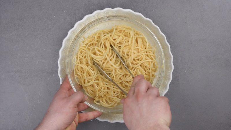 спагетти и форма для выпечки