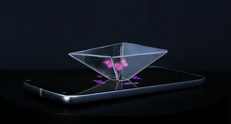 голограмма на телефоне