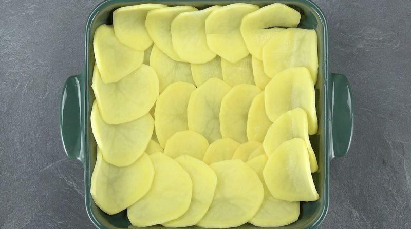 резать картофель