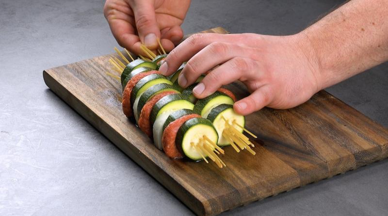 готовить шашлык