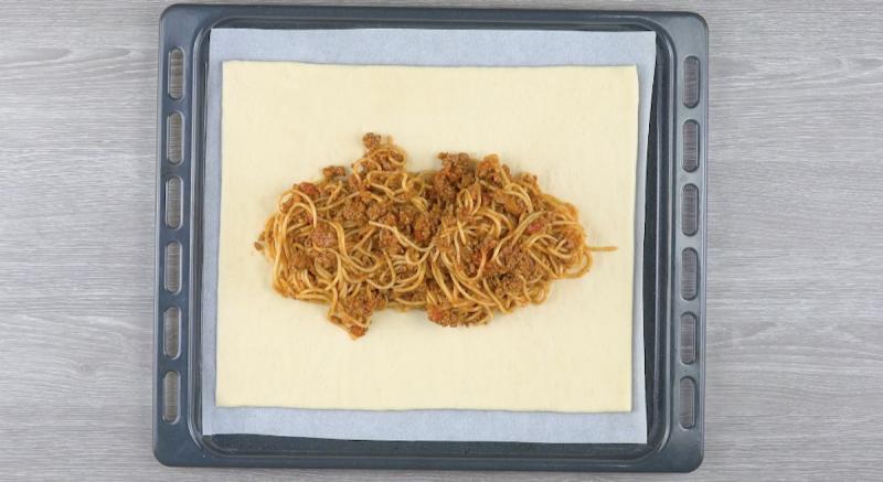 макароны и тесто
