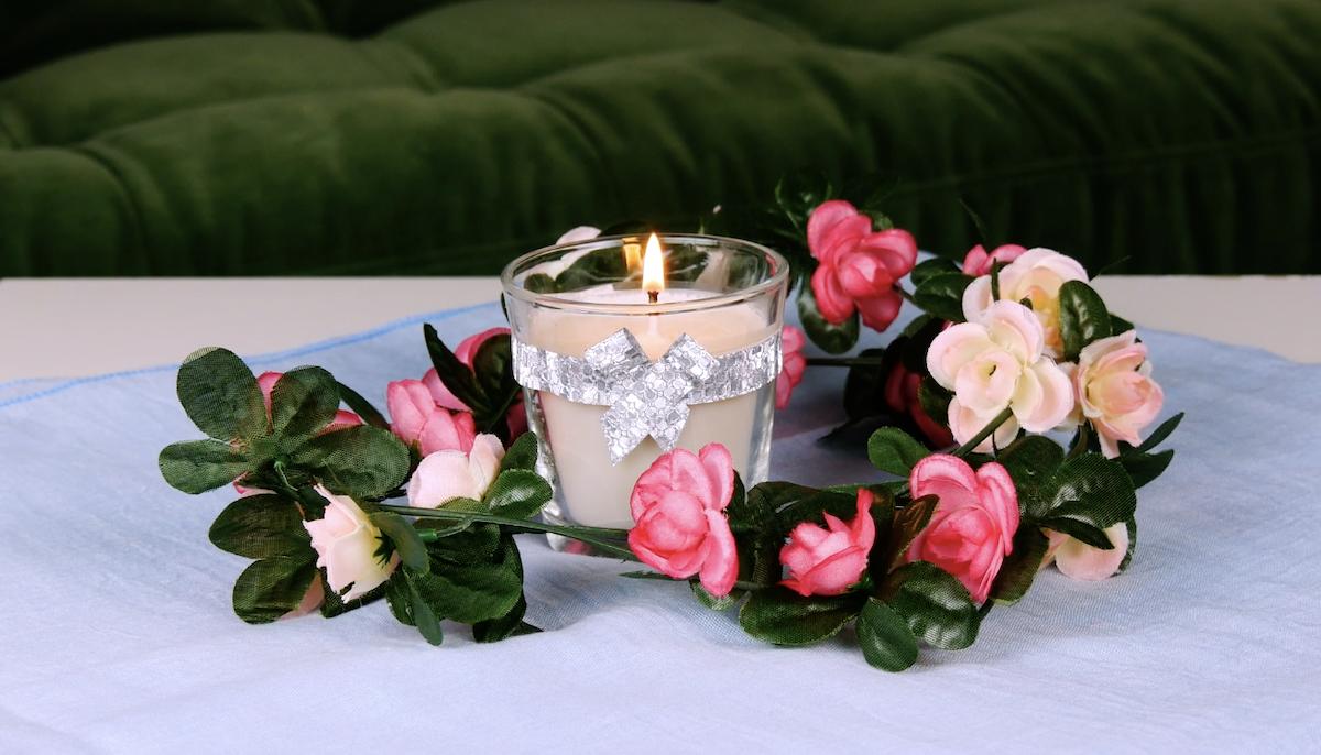 свеча на столе