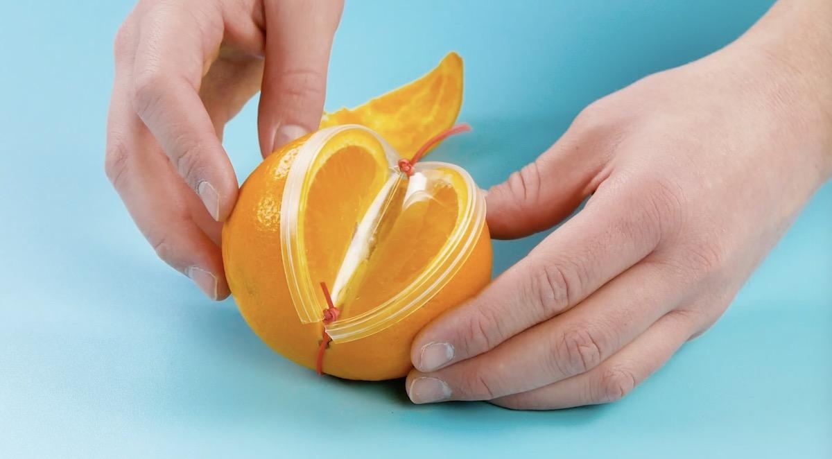 надрезанный апельсин