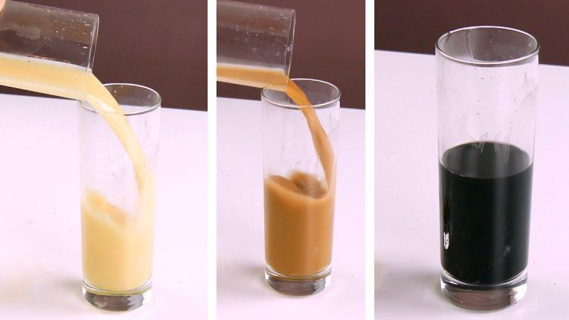 стаканы с жидкостью