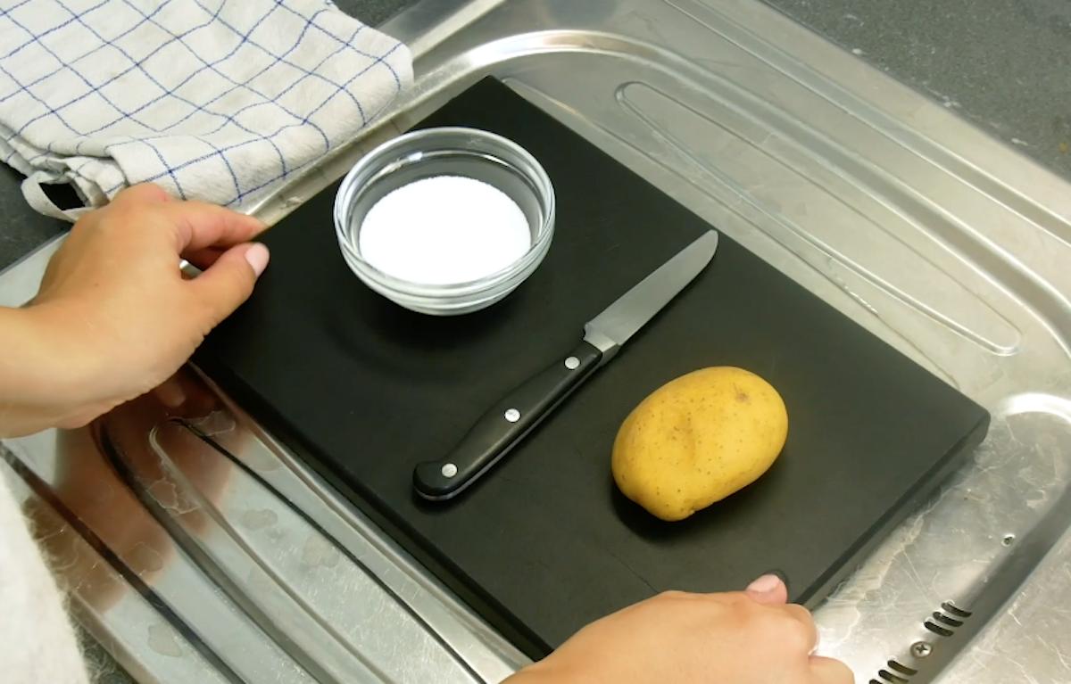 нож картофель и соль