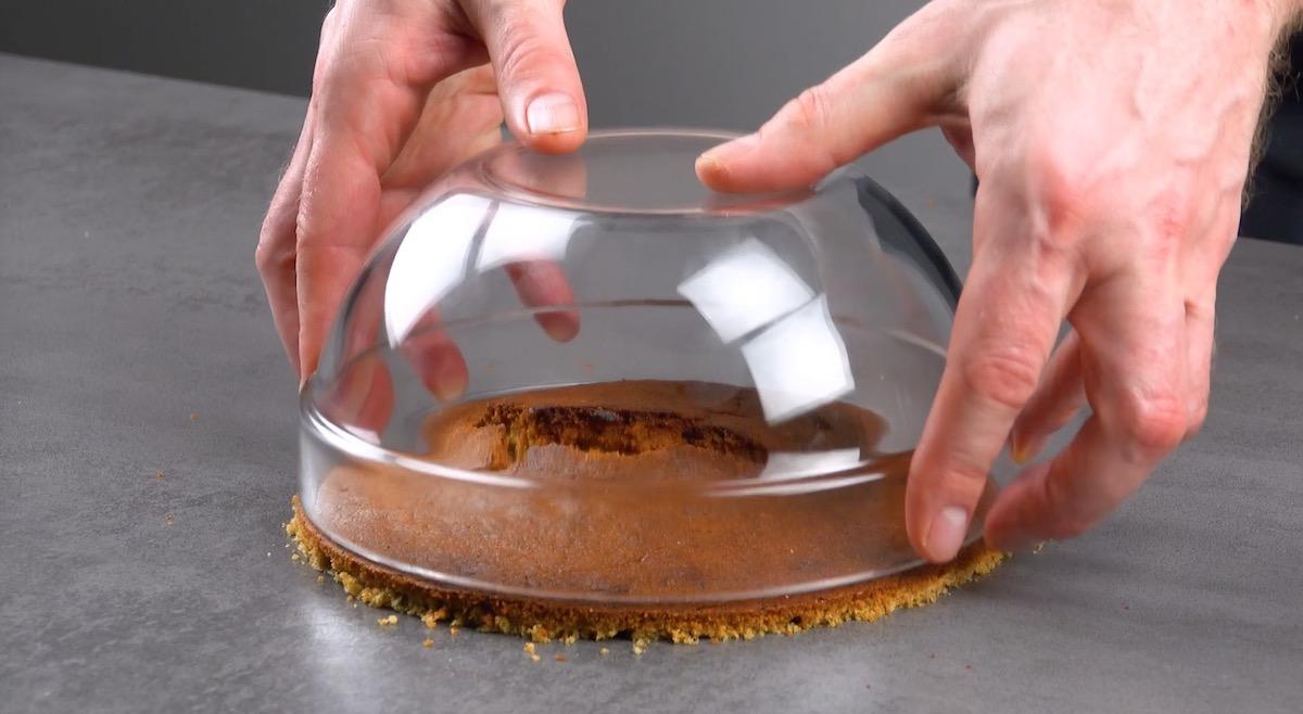 миска и тесто
