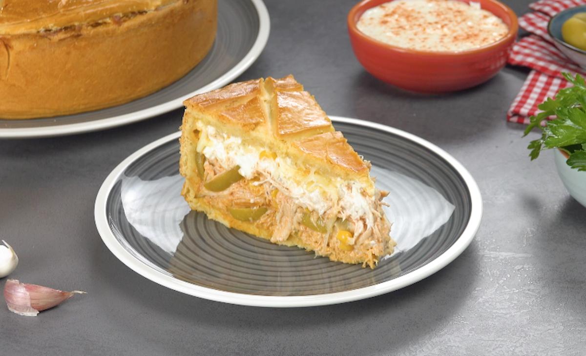кусок пирога с курицей