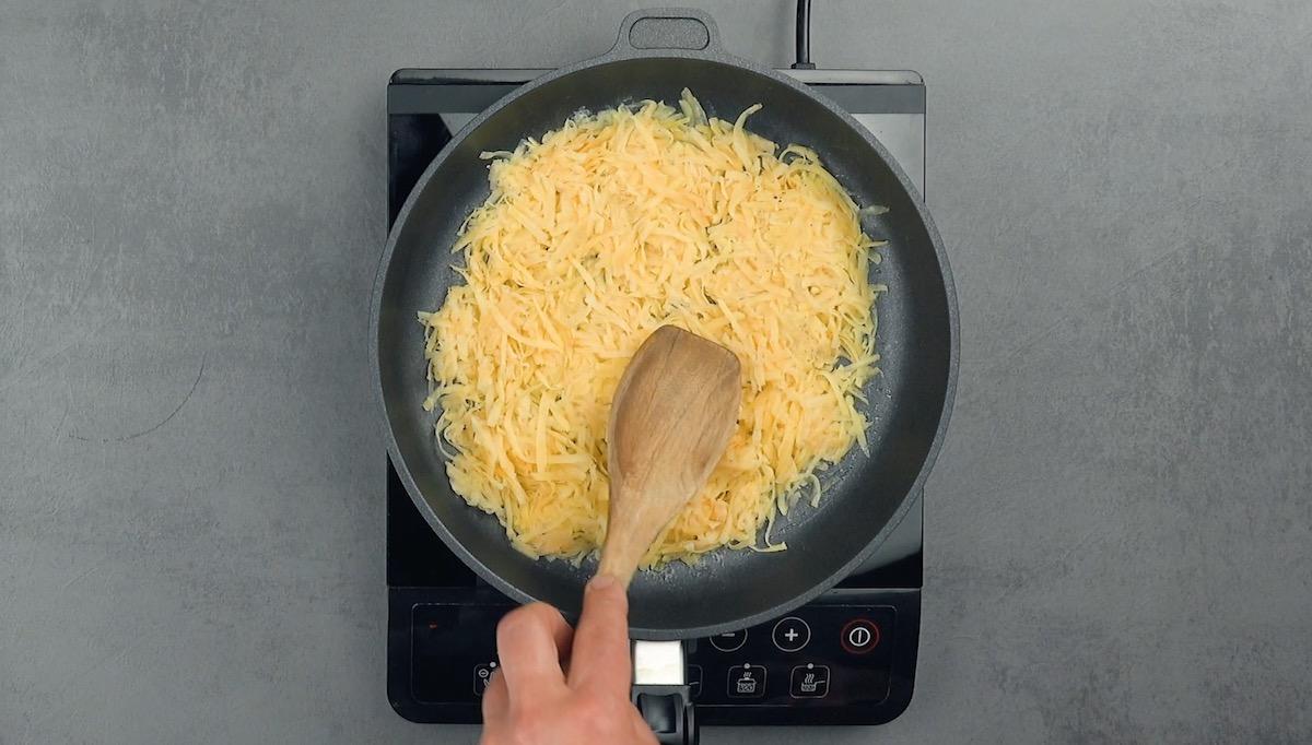 еда на сковороде