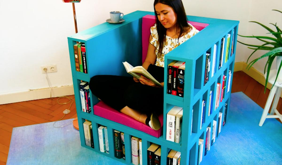 кресло книги девушка