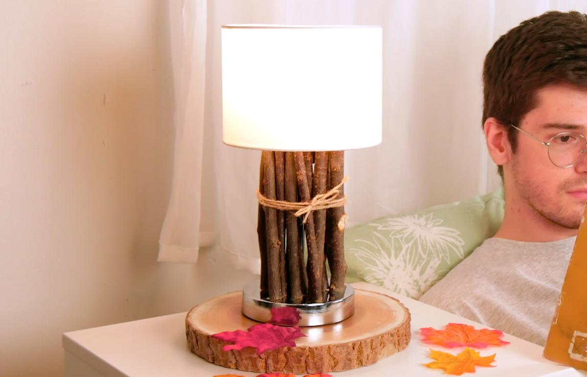 лампа с веточками