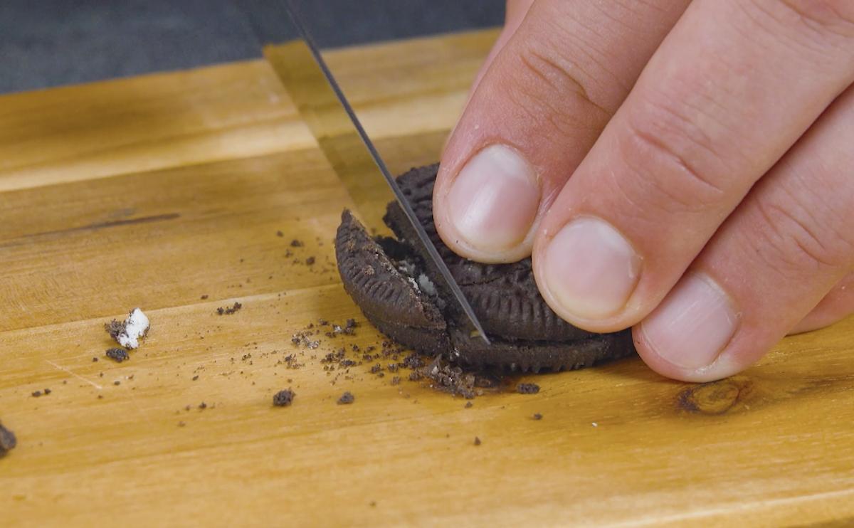 резать печенье