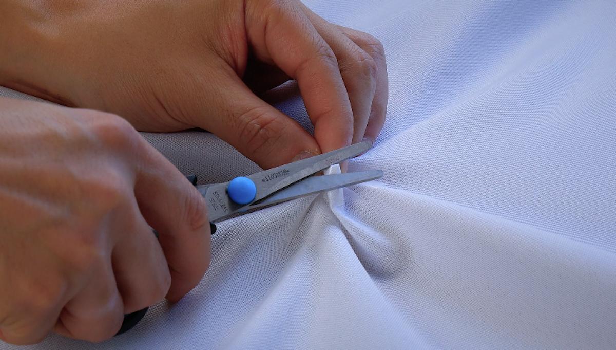 резать ткань