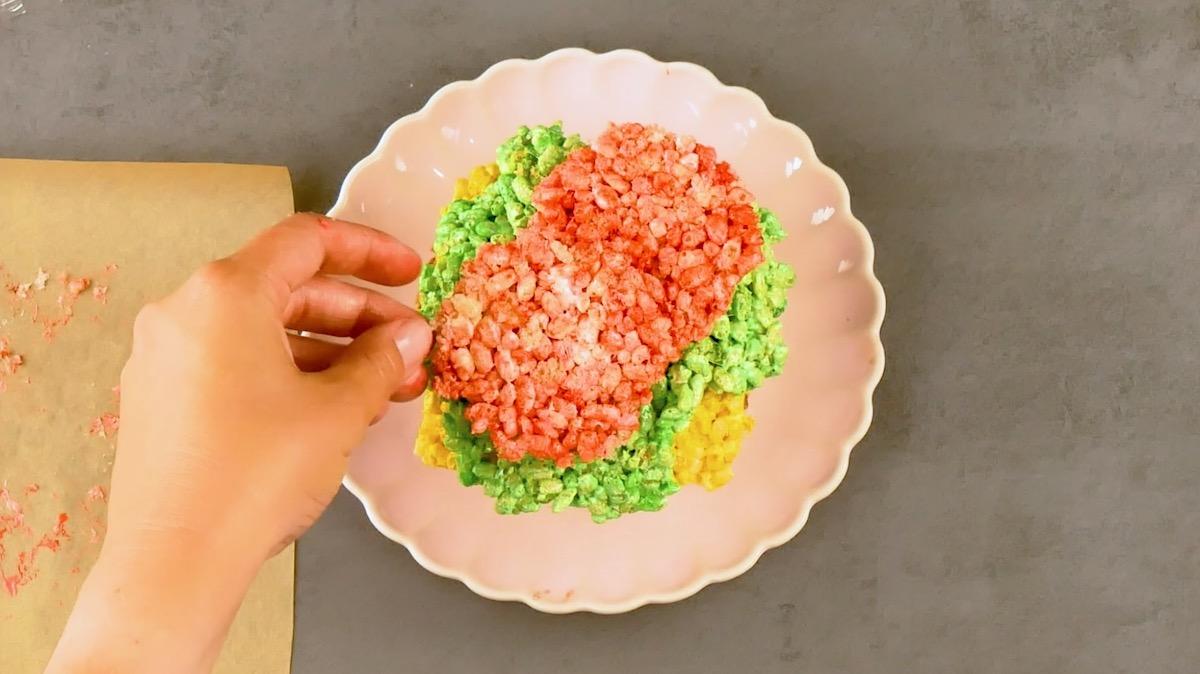 еда на тарелке