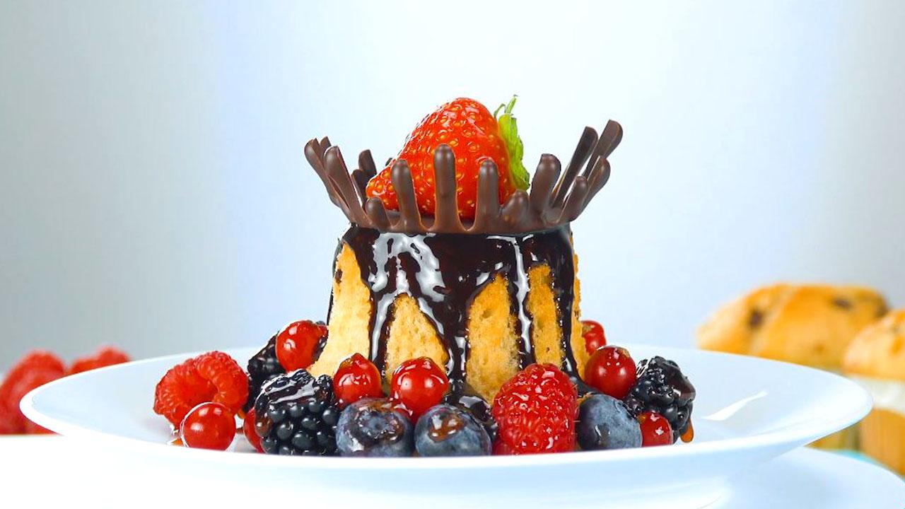 десерт на тарелке