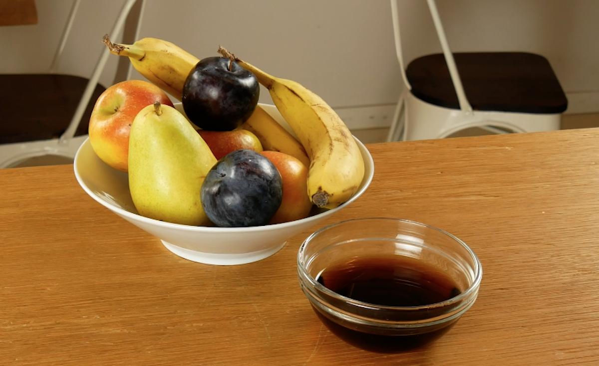 фрукты на столе