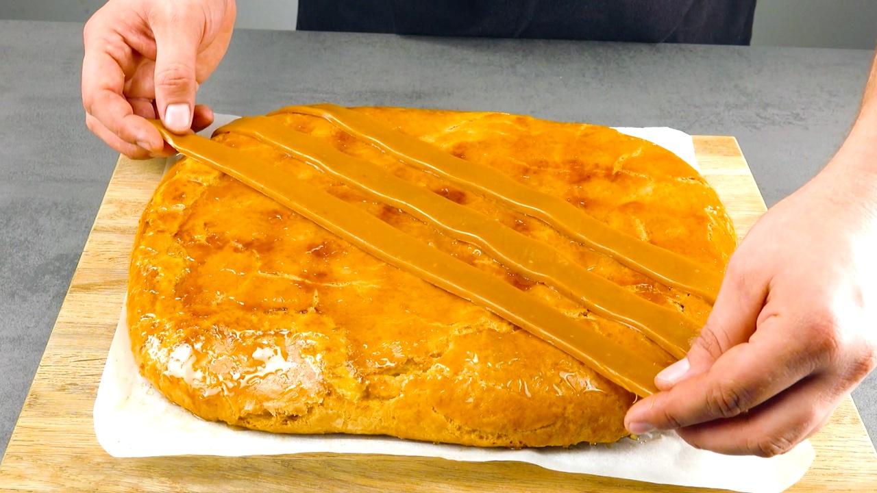 украшать пирог