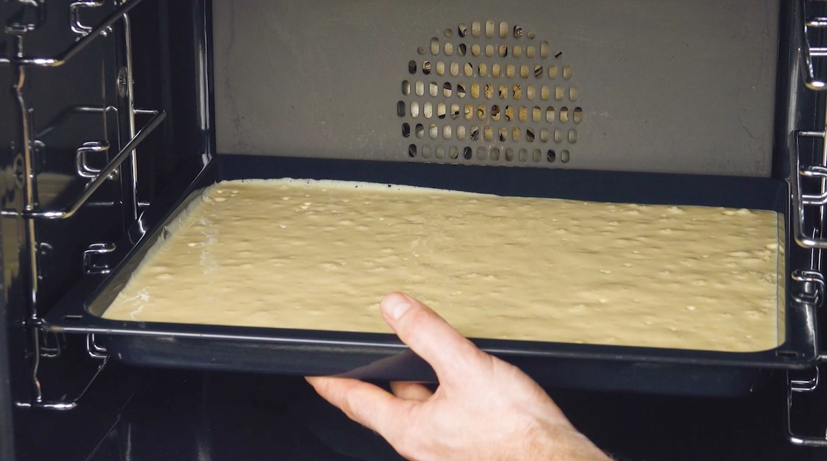 тесто в духовке