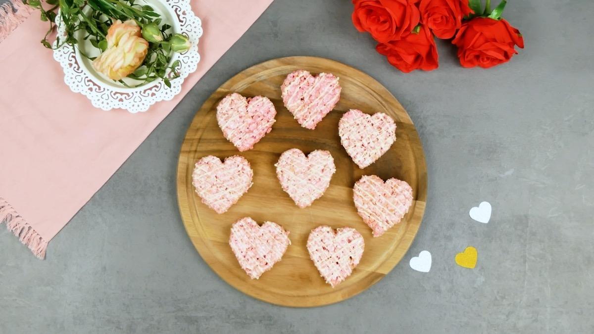 сладости в форме сердечек