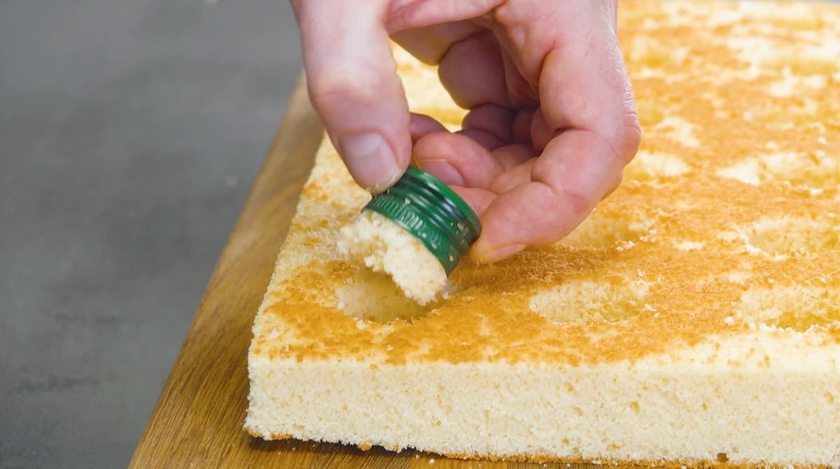 резать тесто