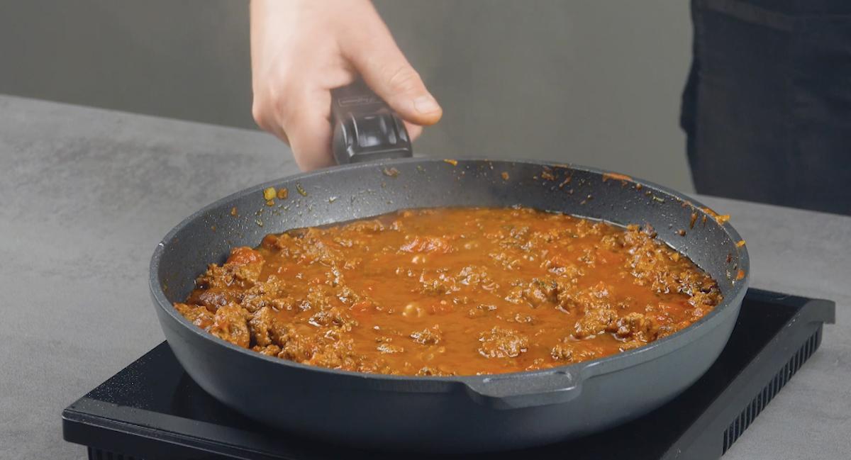 сковорода с мясом