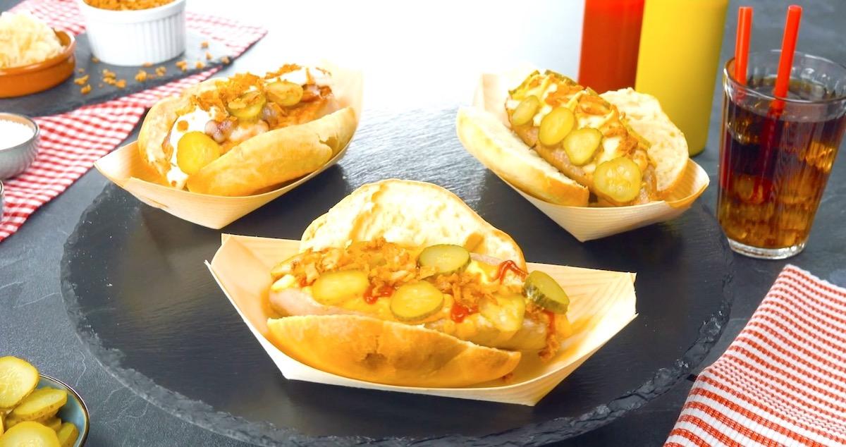 три хот-дога