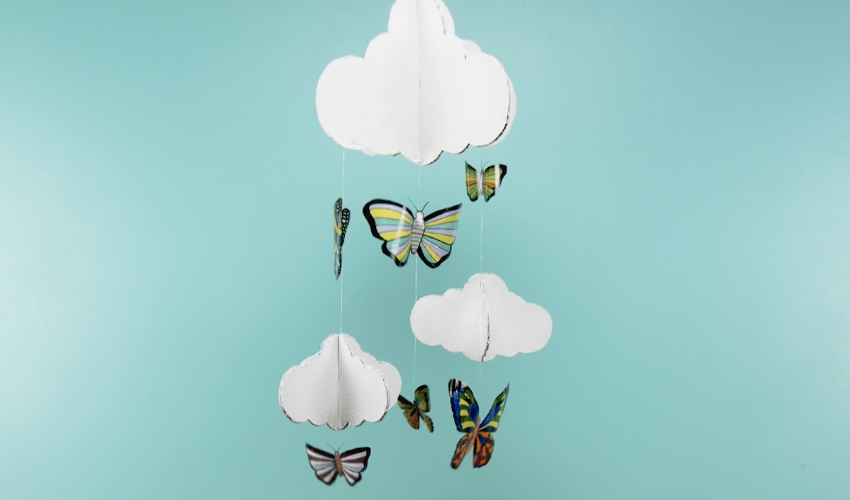 бабочки из пластика
