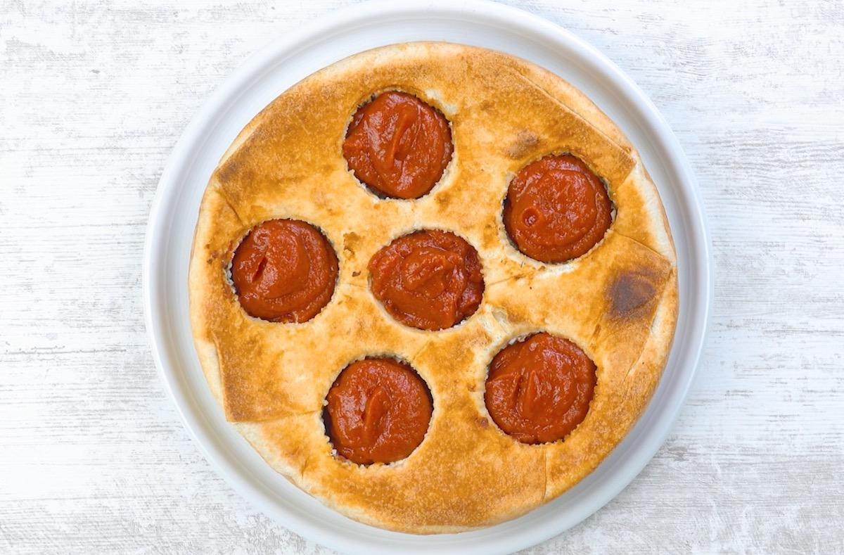 пирог с томатным соусом