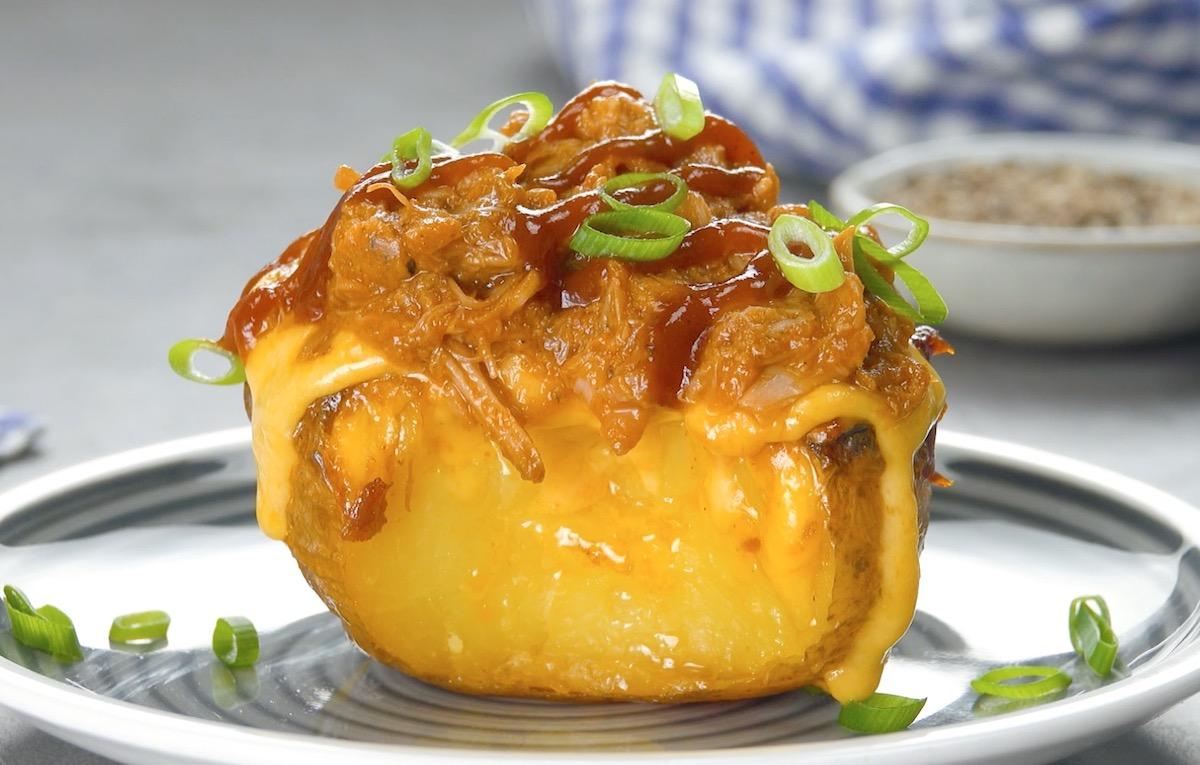 печеный картофель с мясом