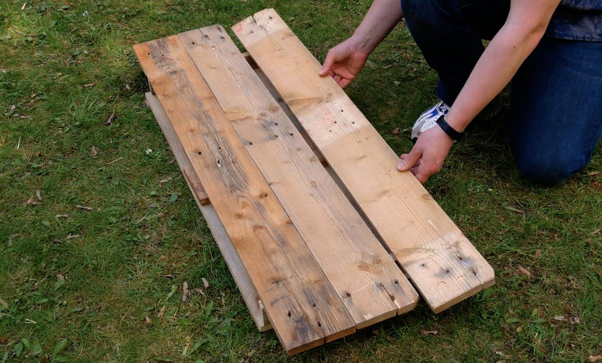 строить мебель из дерева