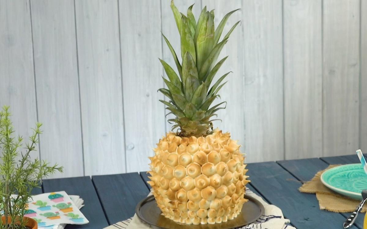 торт в виде ананаса
