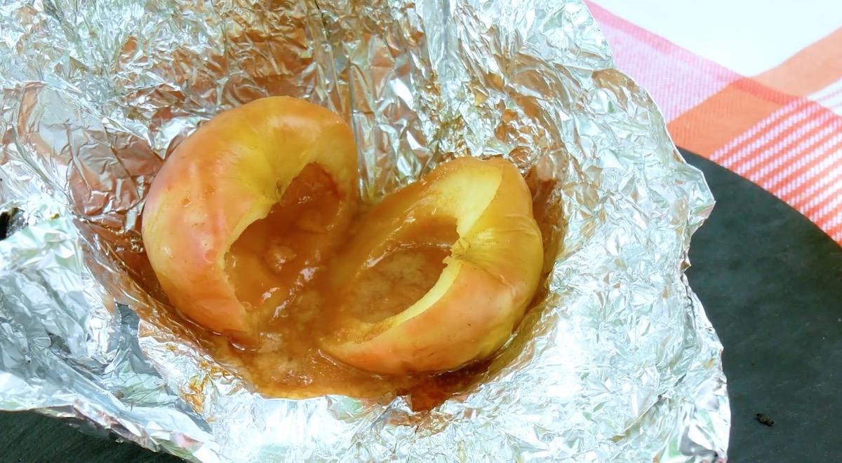 яблоко в фольге