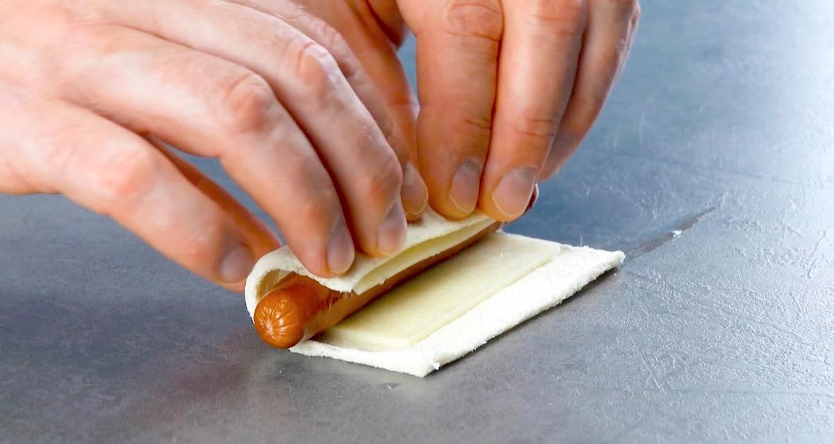 хлеб и сосиска