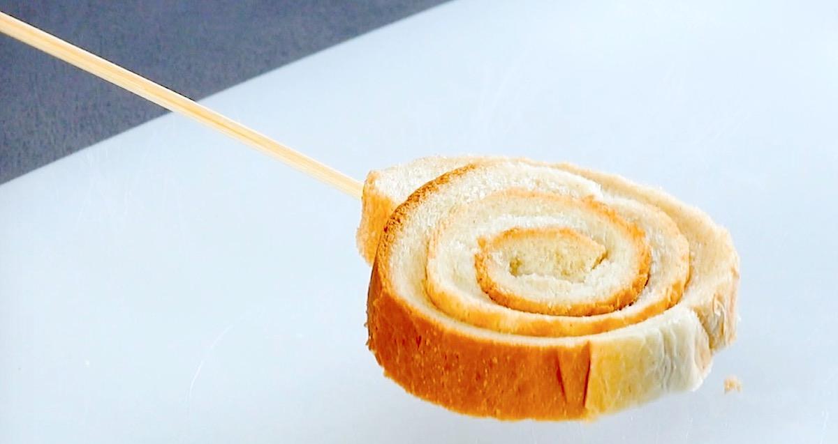 хлеб на шпажке